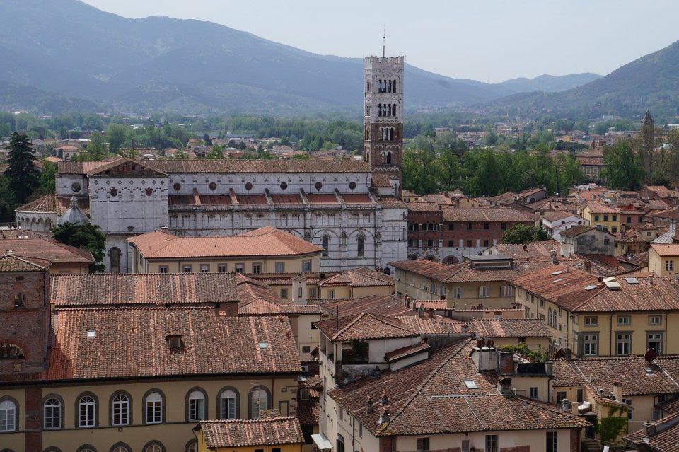 Lucca come non l'abbiamo mai vista. Con il sole.